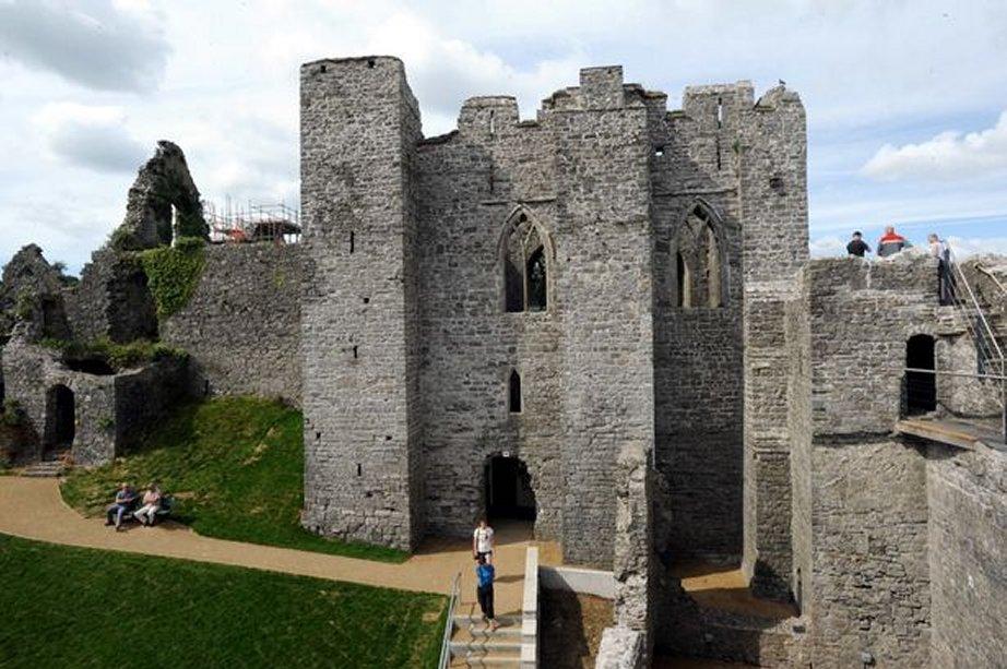 oystermouth castle a